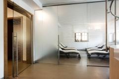 Porte Henry glass nel centro benessere di un hotel a Trieste